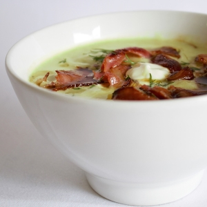 Picture of avocado soup with fried pancetta